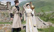 Почему мужчины на Кавказе не подают руку даме и не целуют жену